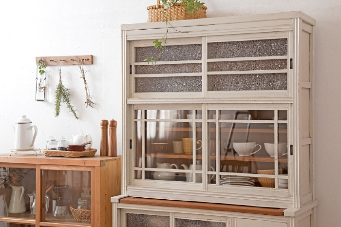 ペイント 食器棚
