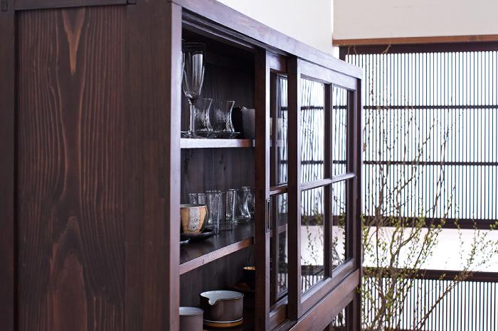 和製アンティーク 飾り棚 食器棚 ガラス収納棚