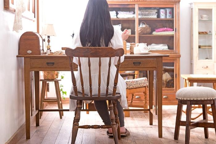 大正ロマンな家具でつくる、ナチュラルガーリーなアトリエ