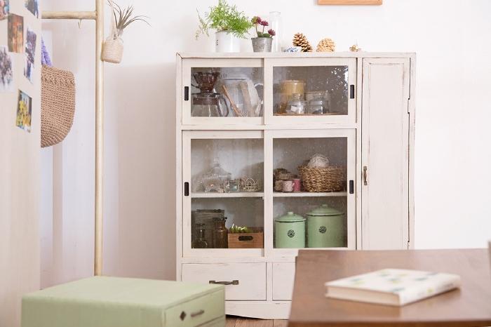 ペイント家具 ガラス収納棚