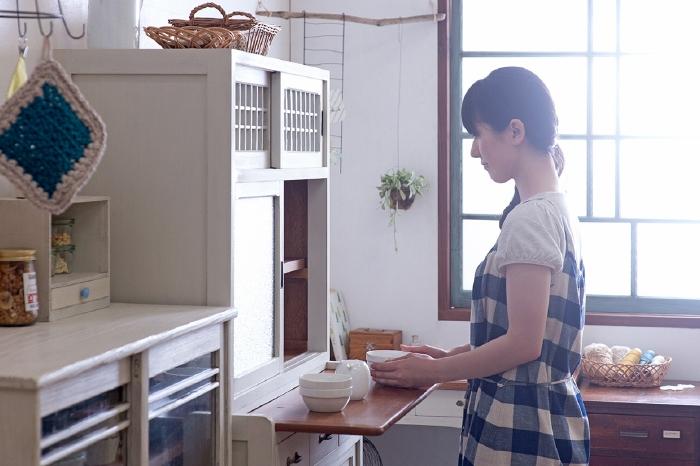 白ペイント 食器棚 収納棚