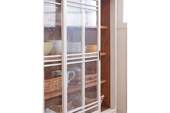 食器棚 ガラス戸