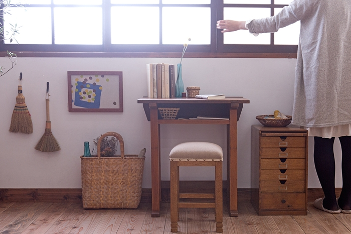 古い学校の机 小引き出し 布座面の角スツール
