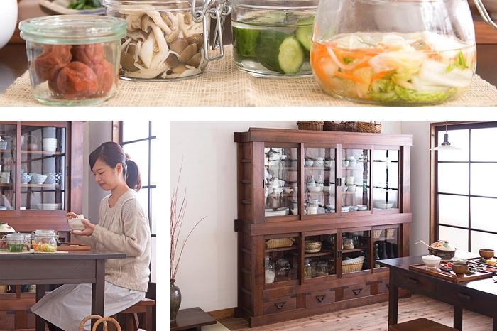 保存食 ガラス瓶 食器棚 ダイニングテーブル ガラス戸