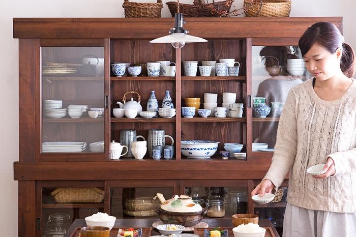 和製アンティーク 大きな食器棚 和食器 器 天井照明 平笠