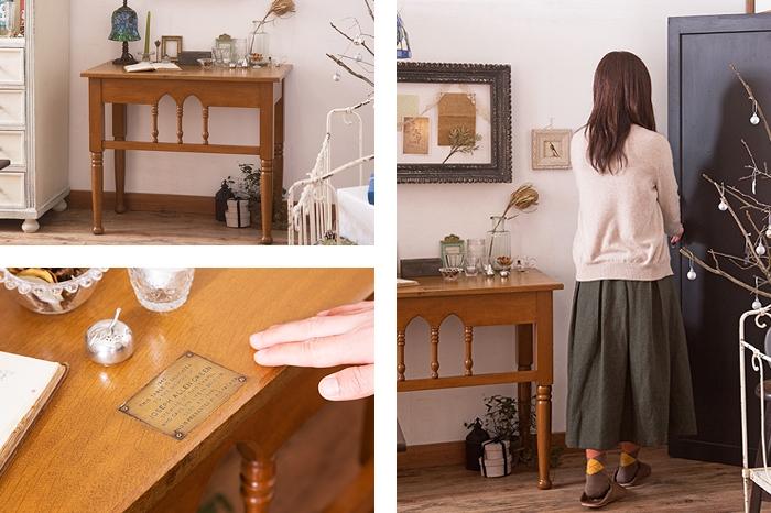 イギリスアンティークのコンソールテーブル テーブルランプ