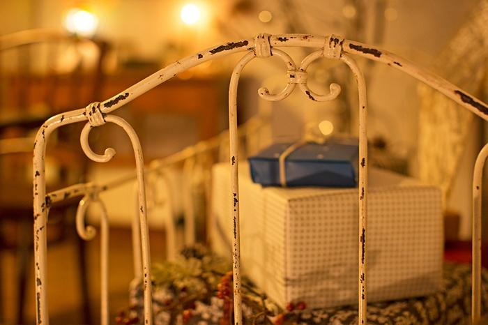 クリスマスプレゼント シャビーなペイントのベビーベッド