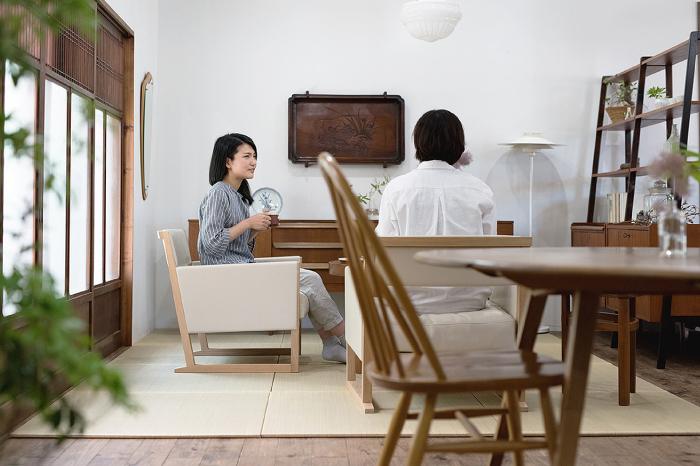 畳で心落ち着く空間に。北欧家具を取り入れた和のリビングダイニング