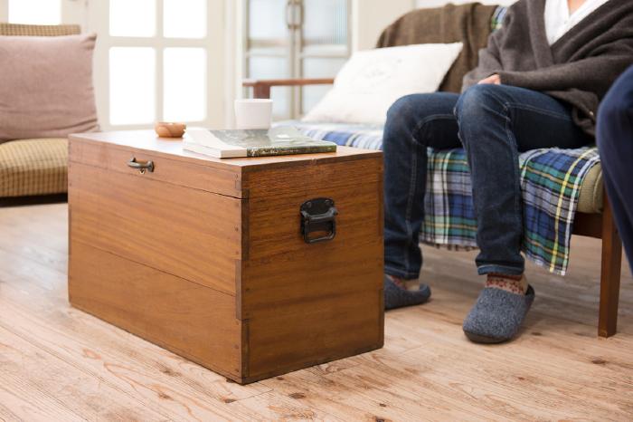 収納箱 個性的な家具 レトロ