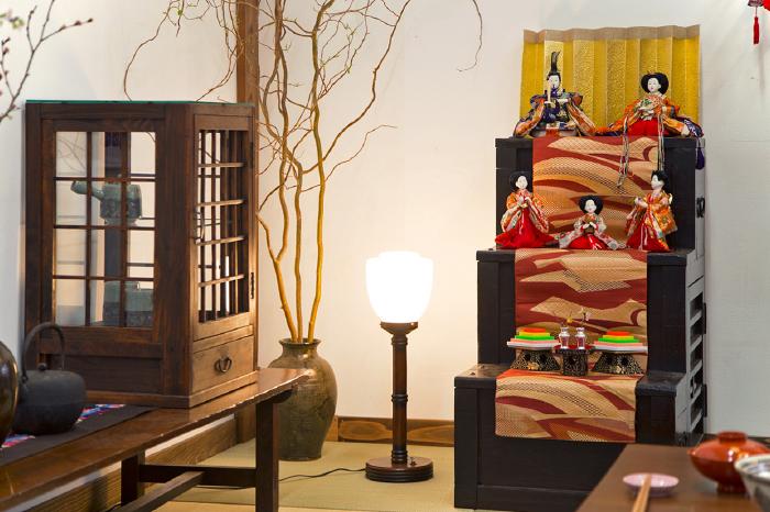 ひな祭り ディスプレイ 和家具