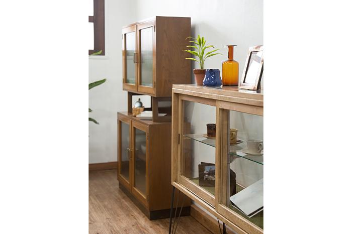 収納家具 ガラス ディスプレイ