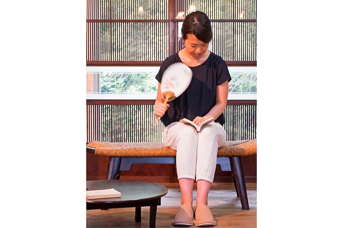 松本民芸家具のラッシスツール 格子戸