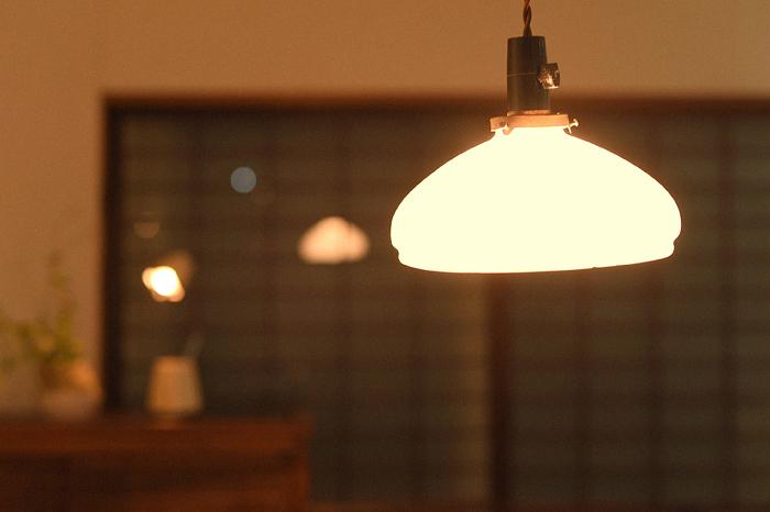 照明 和 レトロ