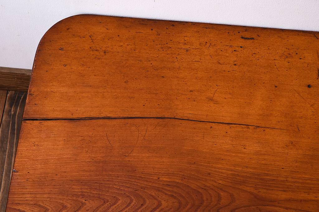 木製家具のひび割れ
