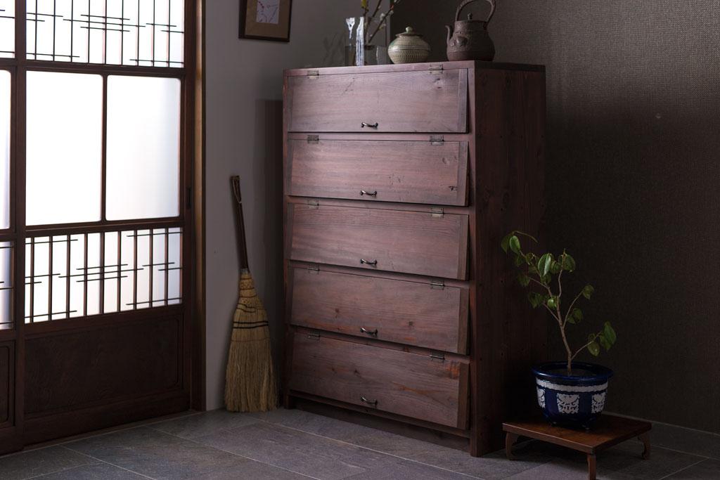 狭い部屋やワンルームに!アンティーク家具で出来る間仕切りアイデア