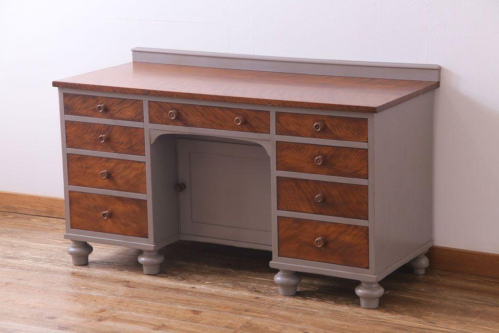 空間も作品に。アンティーク家具を使ったアトリエ兼ギャラリーの作り方