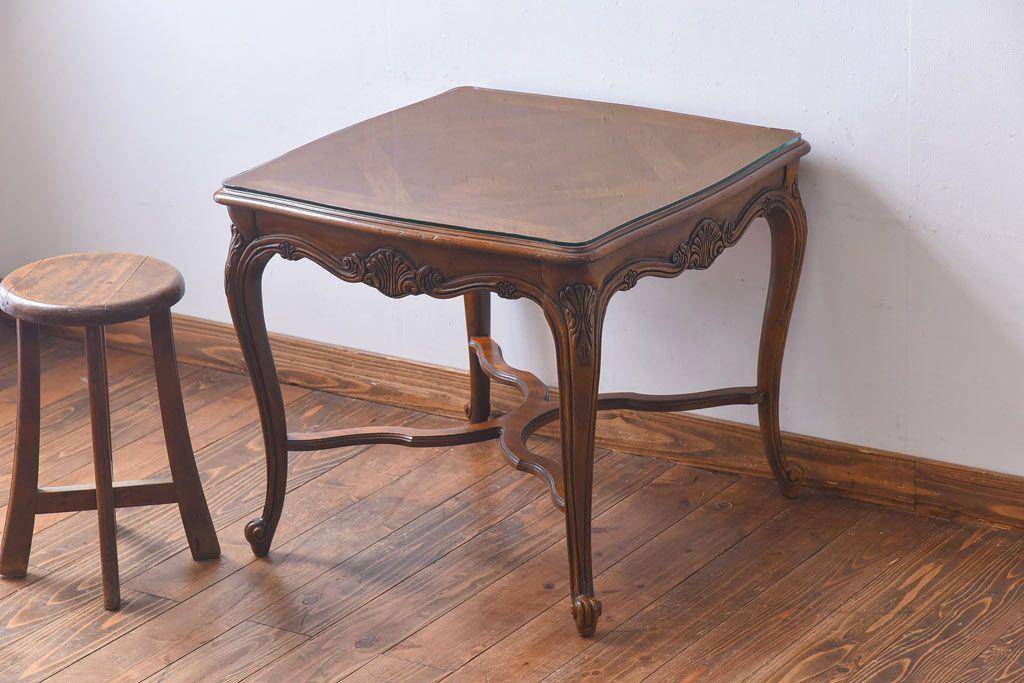 便利さなら収納付きが一番!引き出し型のレトロなサイドテーブル