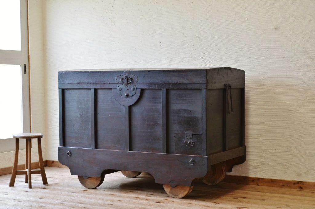 アンティーク家具 古民具 骨董 江戸時代 味の良い車長持ち(時代箪笥)