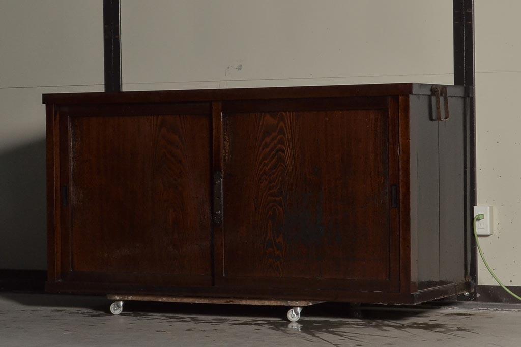 使い方いろいろ!パステルカラーなアンティーク家具のコーディネート術
