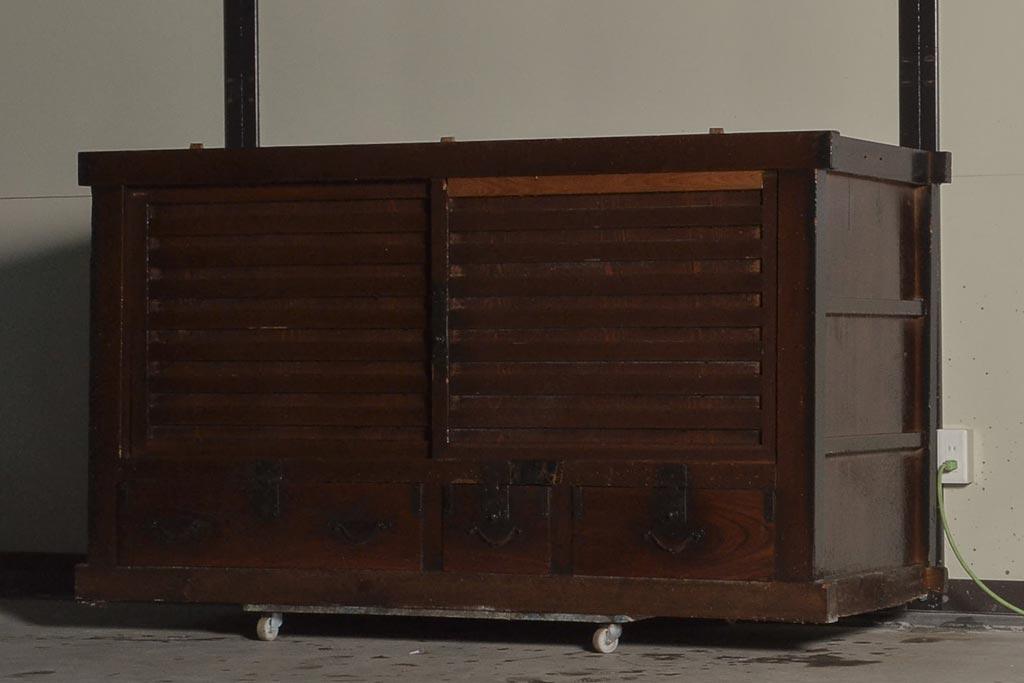 スローライフを演出する古い家具の魅力