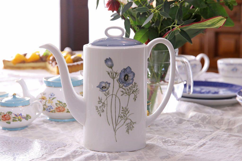 アンティークボーンチャイナの定番デザイン。イギリス花柄食器に注目
