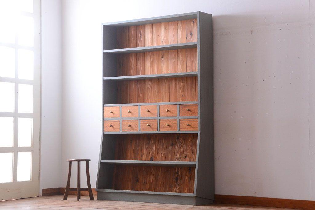 読書好きの方必見!実用的に使えるアンティーク本棚の選び方