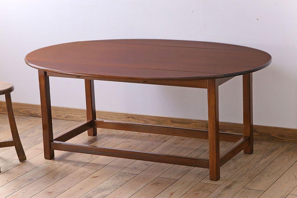 お気に入りのダイニングテーブルを見つけたい!アンティーク家具のすすめ