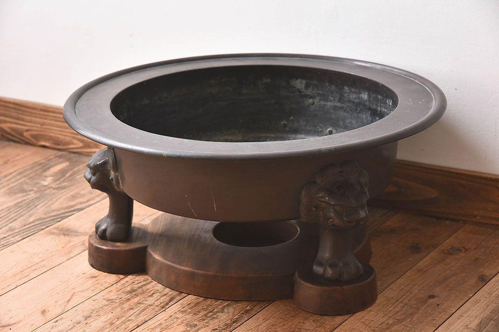 定番抜きでは語れない!アンティーク火鉢の鉄板デザインに注目