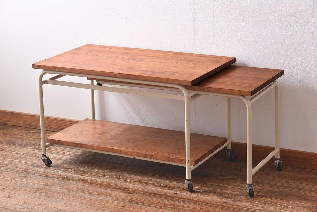 雰囲気も使い心地も諦めない!キッチンにおすすめのアンティーク家具