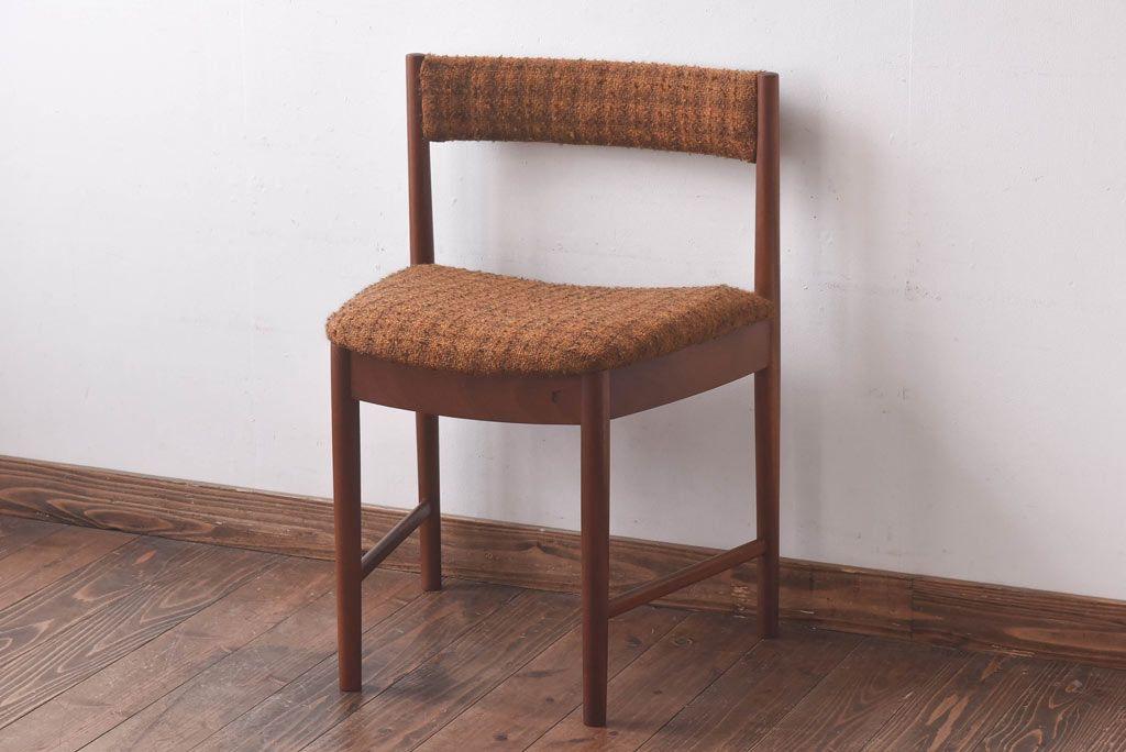 編み座面が美しい椅子。北欧で人気のペーパーコードチェアの魅力