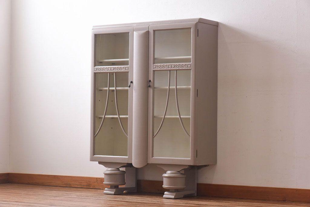 部屋をスッキリと見せたい!圧迫感を抑えたアンティーク収納棚選び