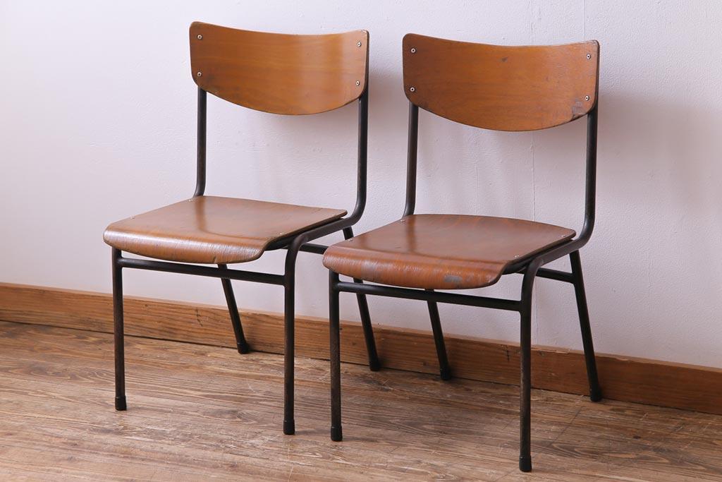 バラバラがおしゃれ!アンティークの椅子でつくるダイニング実例14選