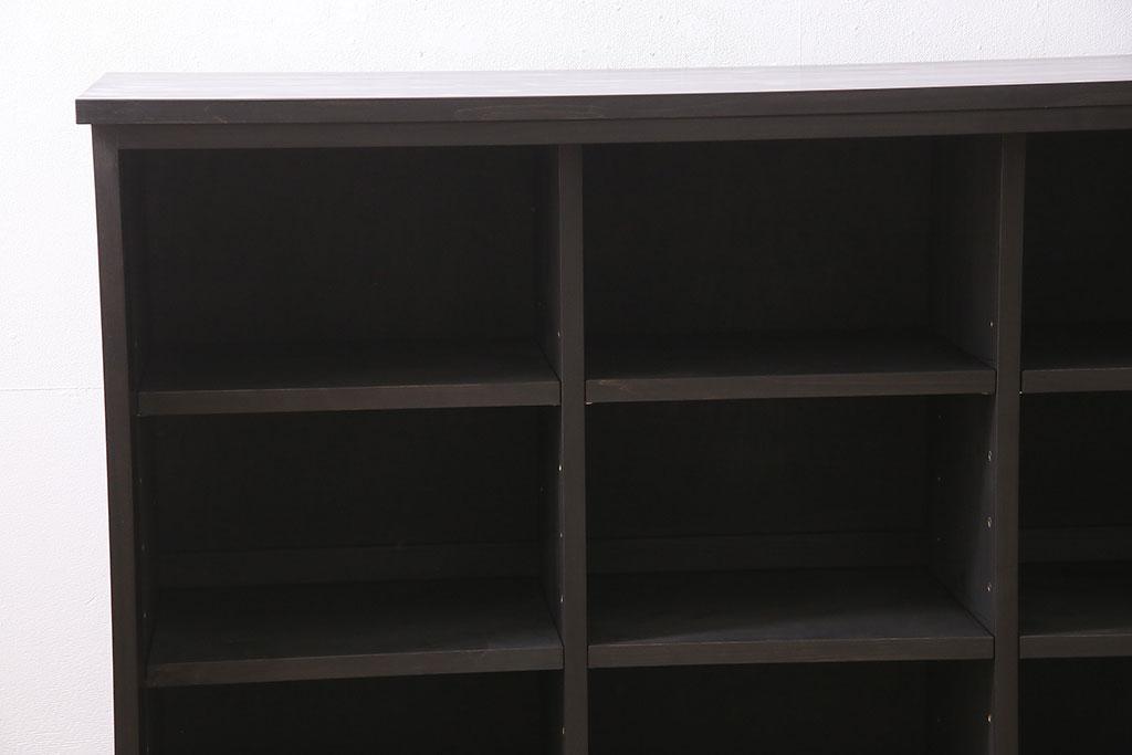 e8ca9f0156 【加工実例】古い書院戸を利用してサイドボードを新規製作。本体は24ミリのヒノキ無垢材で強度は申し分なし。棚の内部は三つに仕切り&棚ダボにて可動できるタイプにし  ...