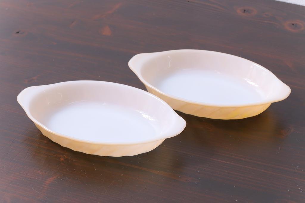 アメリカンアンティーク雑貨の代表!ミルクガラス食器の魅力