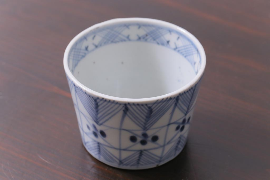 青い和食器の定番。日本の磁器で知る染付の歴史といろは