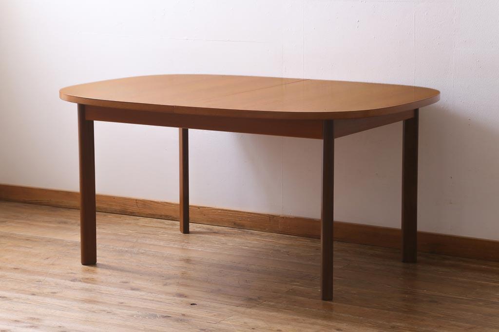 狭い空間でもしっかり者!省スペースなおしゃれダイニングテーブル