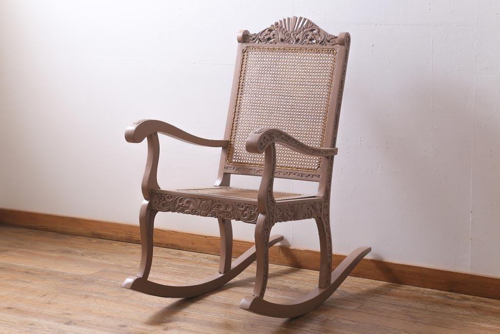和室でも椅子でモダンな寛ぎを。畳を傷つけないアンティークチェア
