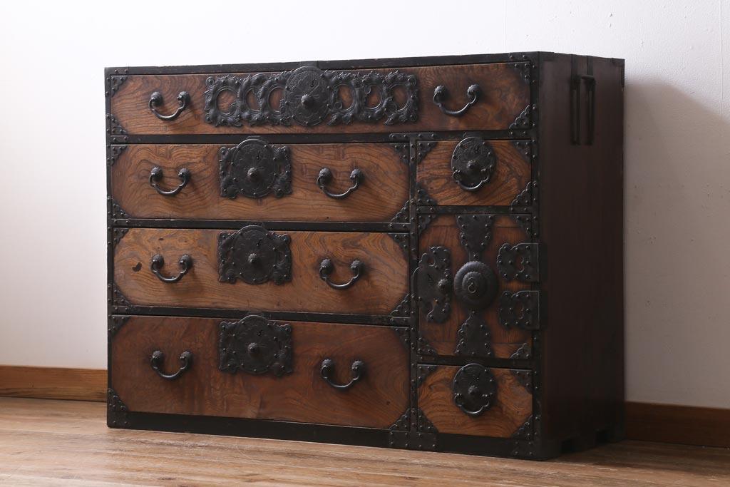 隠れた魅力がたくさん。アンティーク桐箪笥に見る桐材の特徴と歴史