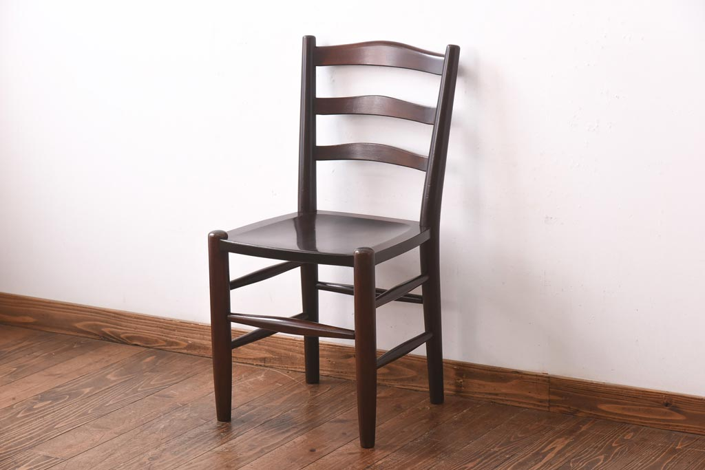 成長したら切り替え。子供から大人まで使えるダイニングの椅子選び