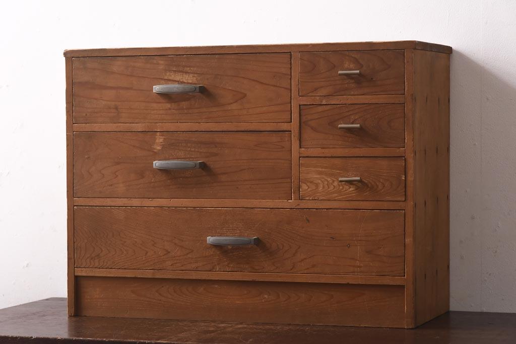 たっぷり小物収納。お役立ちアンティーク引き出し家具