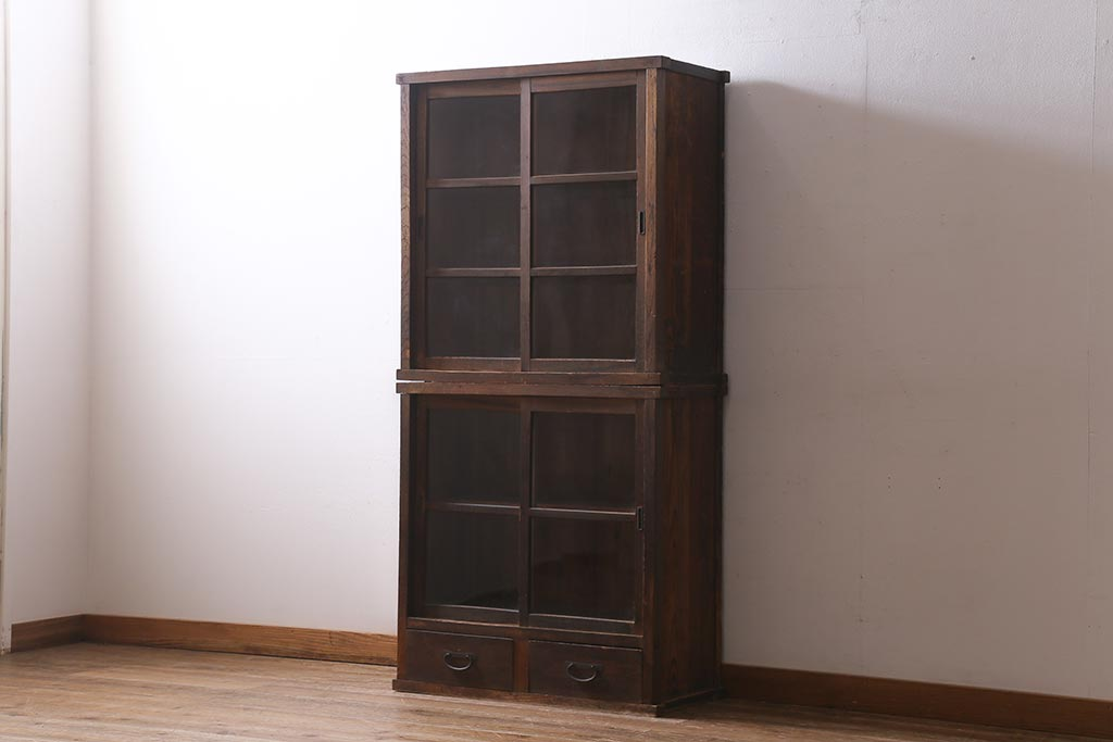 アンティークでブックカフェ風に!雰囲気よく片付く本棚収納のコツ