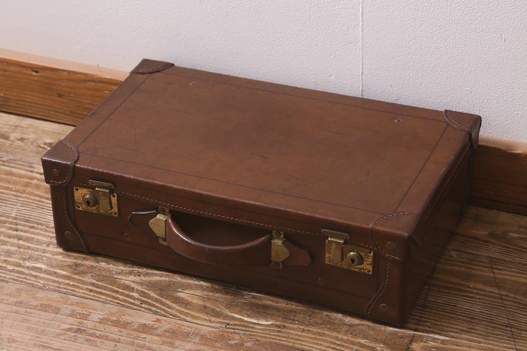 なにを収納?リメイクや家具使いもできる木製アンティークボックス
