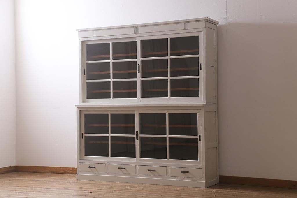 食器棚で検証!レトロガラスを使った見せる収納・隠す収納テク