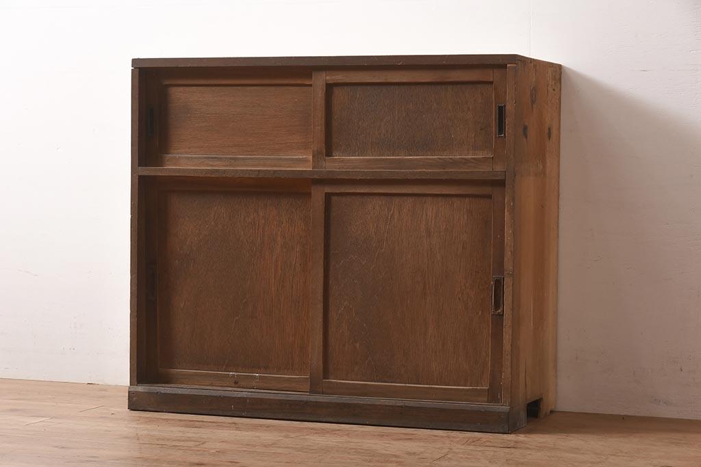 自分に合うのは?アンティーク食器棚で扉あり・なしの使い勝手を比較