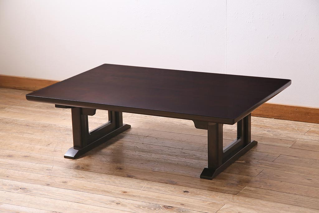 便利な収納が決め手!棚&引き出し付きのアンティークセンターテーブル