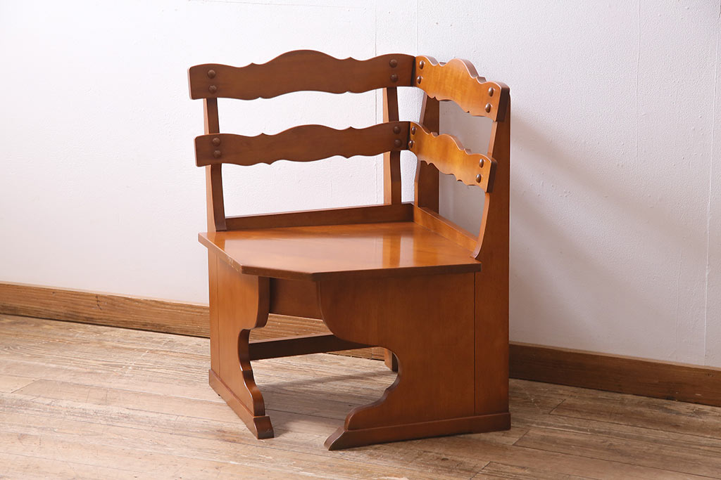 伝統の曲げ木の職人技。木工のまち 飛騨高山の国産家具に注目!