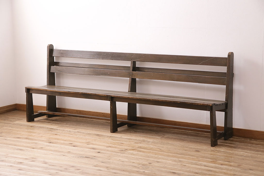 リビングや玄関でも役立つ、アンティークベンチのおすすめ活用術