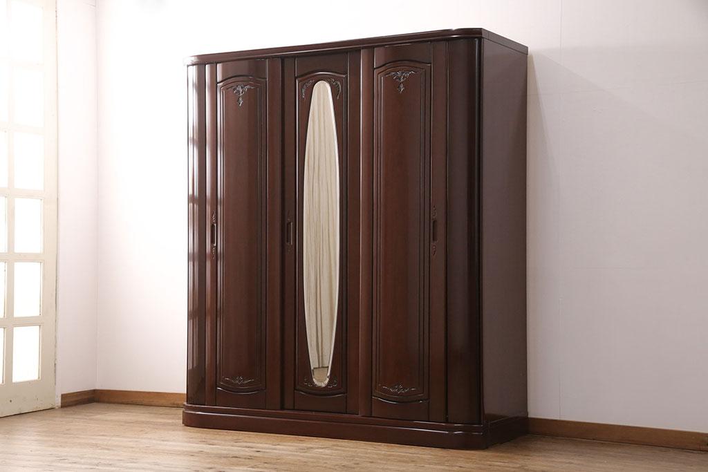 毎日着る洋服の片付けを解決!かける収納にぴったりのおしゃれ家具