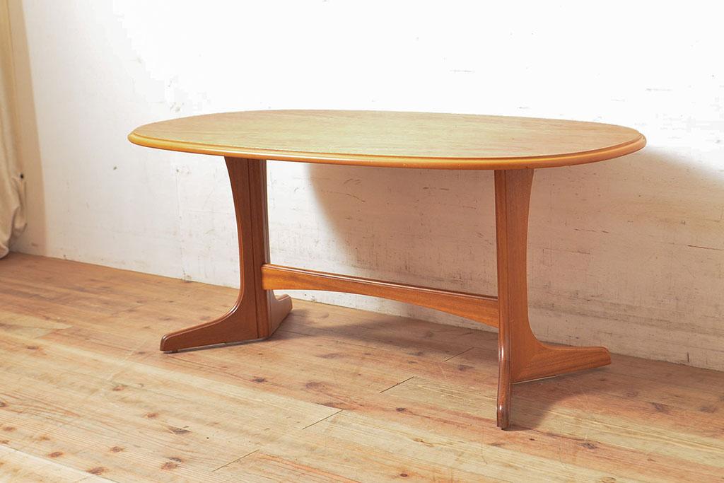 北欧にイギリスアンティーク。サイドテーブルの選び方・楽しみ方