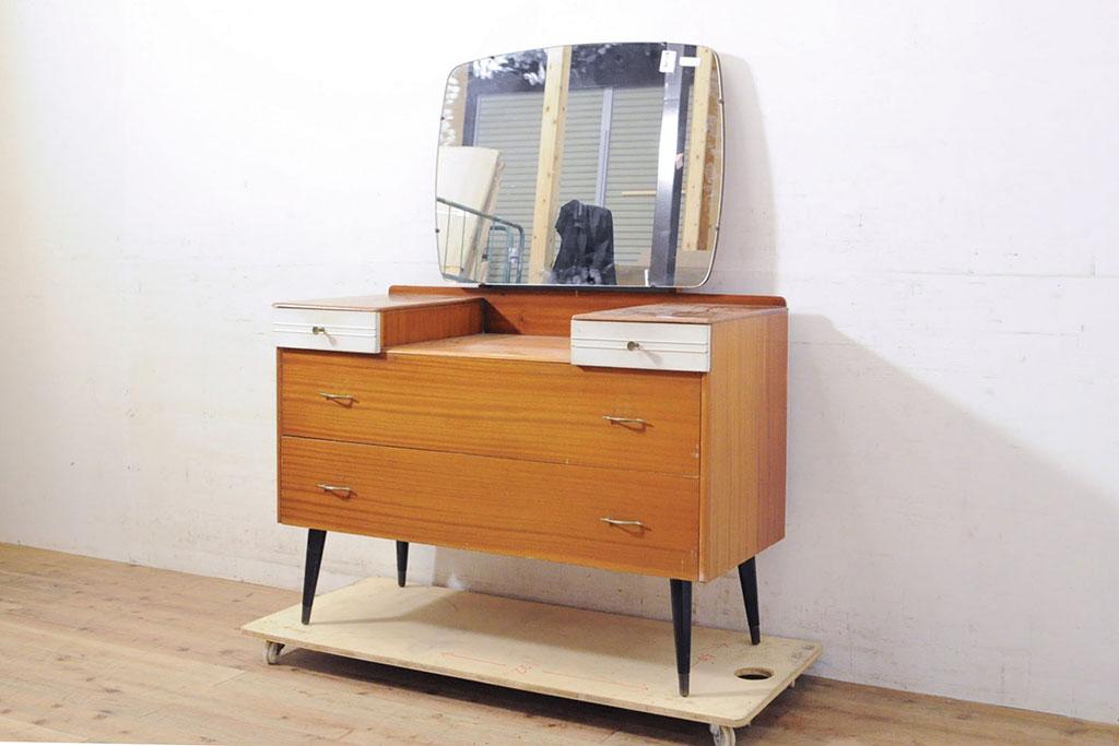 懐かしさ漂うインテリア。今の暮らしにも役立つ、昭和レトロ家具
